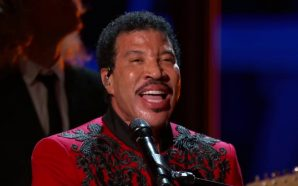 Lionel Richie Hints at Recording New 'We Are the World'…